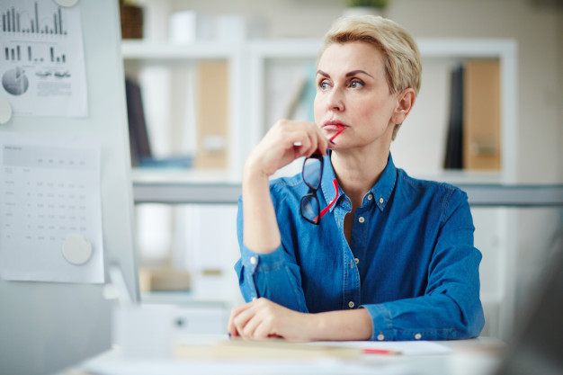 pensive-employer_1098-13366